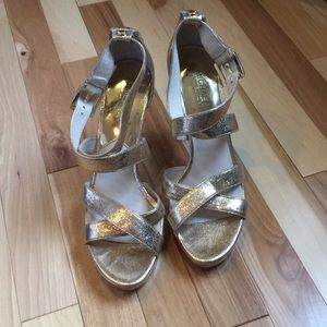 Michael Kors gold strappy sandals size 9.5